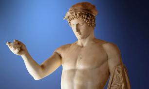 В Греции раскопали гигантскую голову греческого бога
