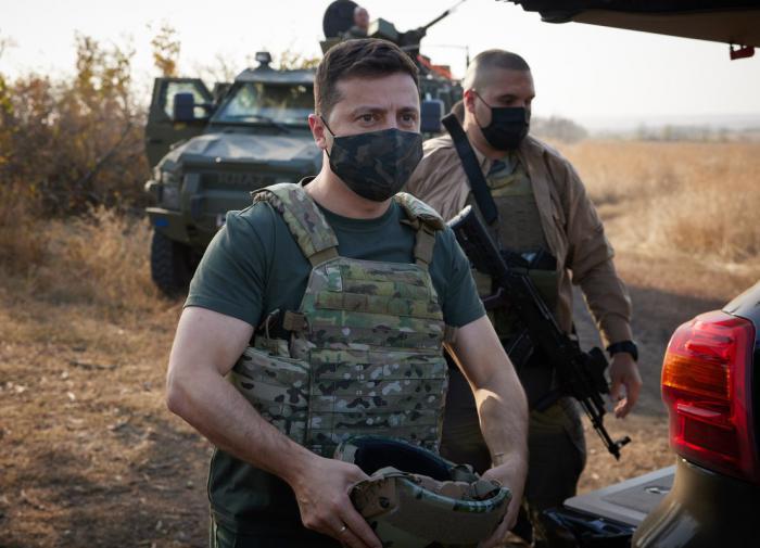 Зеленский предложил громить противников Украины силами народного сопротивления