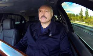 США и Европа давят на победившего на выборах Лукашенко