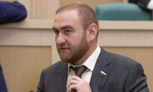 Эксперты проверят сенатора Арашукова на вменяемость