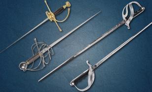 Жителя Петрозаводска обвиняют в контрабанде старинного оружия