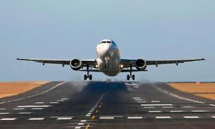 Пассажирский самолет готовится к экстренной посадке в Новосибирске