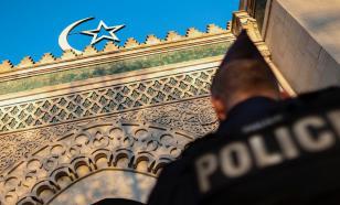 Под Парижем закрывают мечеть, критиковавшую убитого исламистом учителя