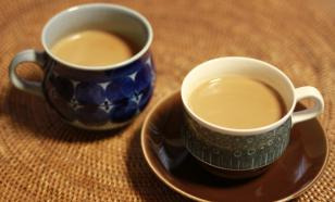 Врач опровергла риск развития рака желудка из-за чая с молоком