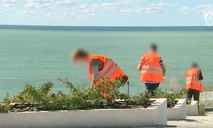 Трудотерапия по-севастопольски: вандалы убрали территорию памятника