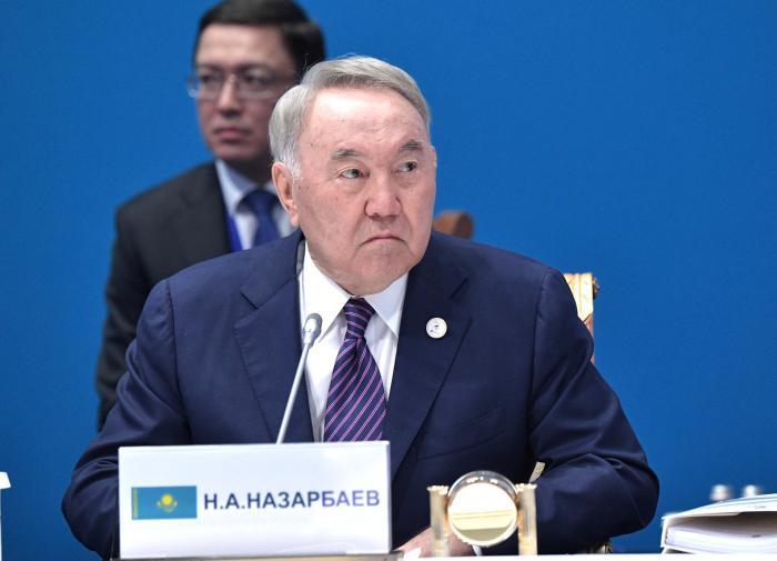 Назарбаев подхватил коронавирус