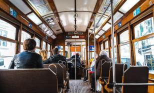 Из-за отказа пассажирки надеть маску образовалась пробка из 15 трамваев