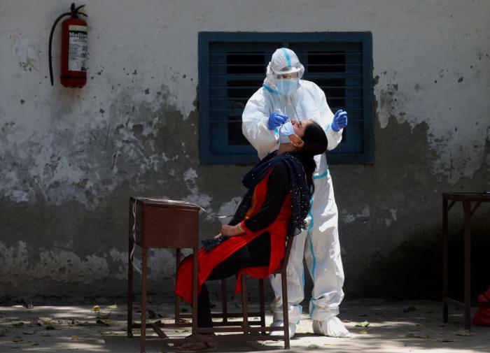 Число заболевших COVID-19 в Индии превысило 8 млн человек