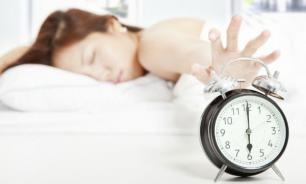 Почему вставать по будильнику вредно?
