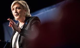 """""""Ужасно"""": Ле Пен осудила ракетный удар США"""