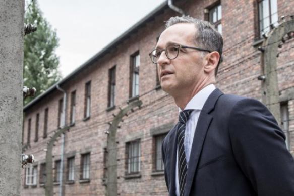 Глава МИД Германии попросил прощения у поляков за преступления нацистов