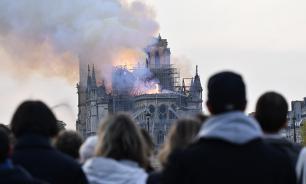 Министр культуры Франции: Нотр-Дам почти полностью спасен от разрушения