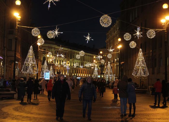 Рванувшие в Петербург на Новый год туристы останутся без развлечений
