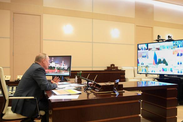 Поэтапный выход из самоизоляции обсудят на совещании у Путина 6 мая