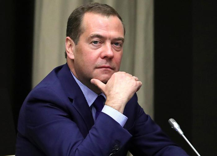 Дмитрий Медведев: нужно расследовать вмешательство США в российские выборы