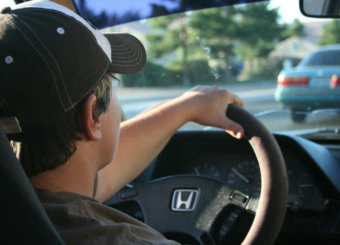 Большинство россиян провалило водительские экзамены по новым правилам
