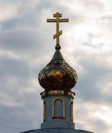 Архиепископ РПЦ выразил обеспокоенность миниатюрными скульптурами домовых