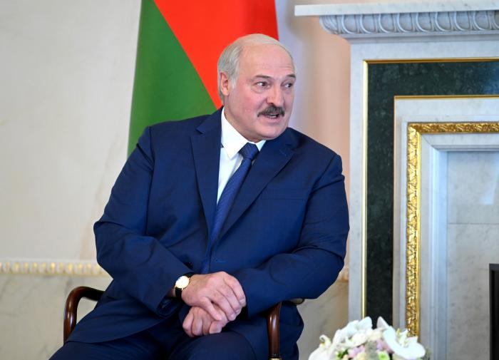 """Лукашенко о санкциях: """"Нечего нам по этому поводу париться"""""""