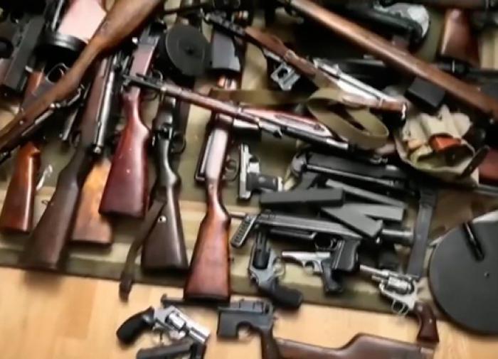 ФСБ произвела аресты в 18 регионах России за подпольное изготовление оружия