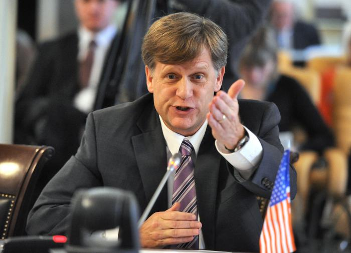 Экс-посол США уточнил, что мог бы сделать Путин перед встречей с Байденом