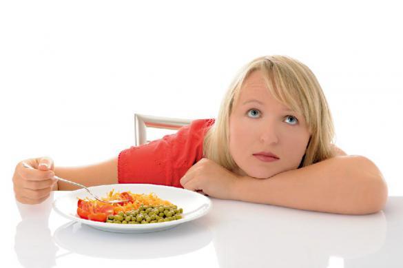 Роспотребнадзор посоветовал запретить есть за рабочим столом