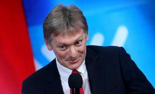 Песков рассказал, вакцинируется ли Путин вслед за Байденом