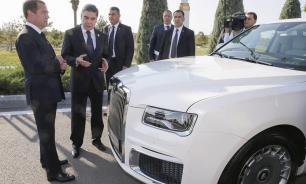 Президент Туркмении захотел купить всю линейку автомобилей Aurus