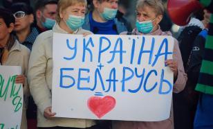 В Киеве протестующие потребовали возобновить авиасообщение с Белоруссией