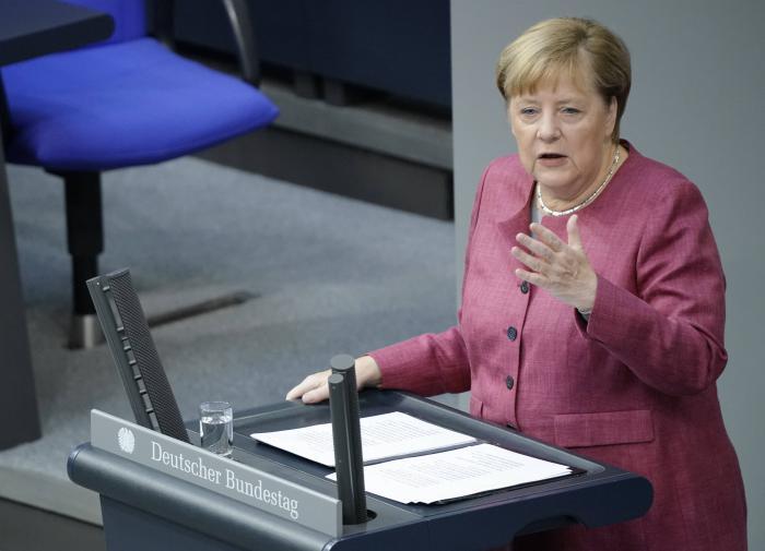 """Поймала на слове: Меркель высказалась о США, России и """"СП-2"""""""