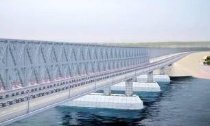 Турецкий сухогруз протаранил строящийся мост в Крым