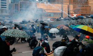 Сотни учащихся проигнорировали начало учебного года в Гонконге