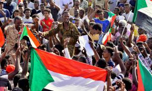 Военный совет Судана отправил свергнутого президента в тюрьму