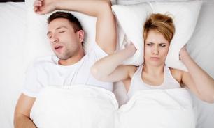 Причины храпа у мужчин и женщин