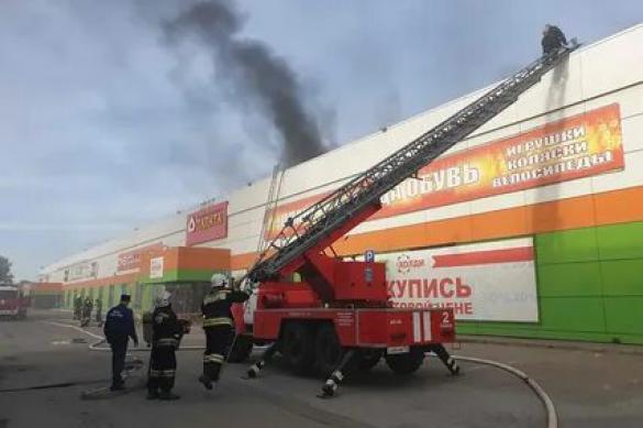 """Томские пожарные потушили огонь в """"Городе"""""""