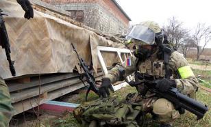В Нальчике по бойцам спецназа открыт огонь - идет перестрелка