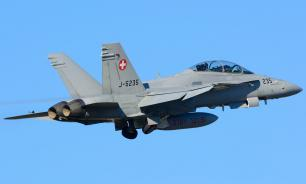 Два истребителя ВВС Швейцарии несколько минут сопровождали самолеты РФ