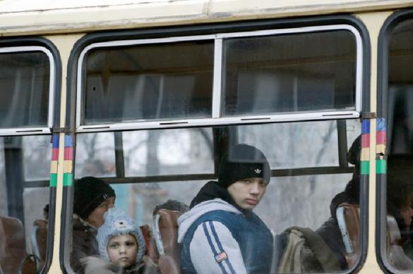Опрос: почти половина украинцев хотят дать Донбассу автономию