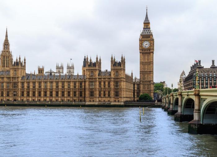 """Ошибка """"этого человека"""": Лондон о потере документов по HMS Defender"""