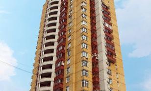 Жительница Королёва выгуливала сына на балконе 9 этажа