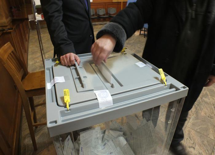 """Собчак показала """"красивый"""" вброс бюллетеней на выборах"""