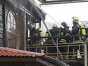 Официант плавучего ресторана получил ожоги, спасая ценные вещи