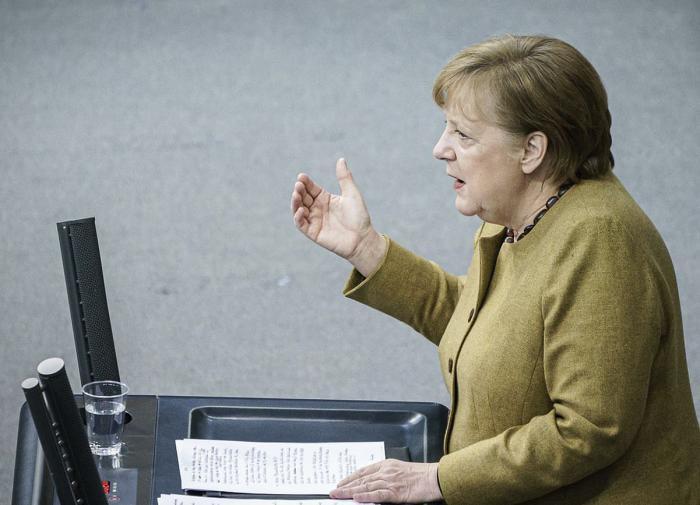 Меркель упрекнула Россию всвоей речи онападении Германии наСССР