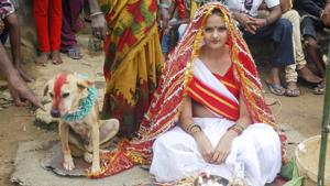 Девочку выдали замуж за собаку
