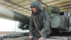 """Российских танкистов переодели в """"Ковбоев"""""""