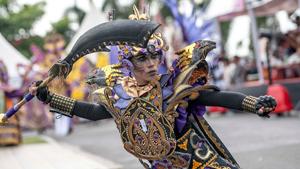 Карнавал в Индонезии не уступает бразильскому