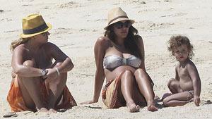 Пляжные каникулы Джессики Альбы
