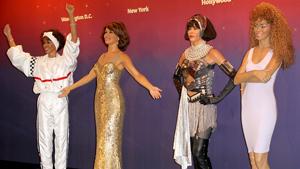 Музей Мадам Тюссо изготовил сразу 4 фигуры Уитни Хьюстон