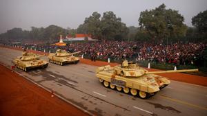 Военные прошли по улицам Нью-Дели