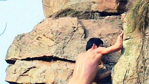 Эпатажный скалолаз, или Без всего по голым скалам