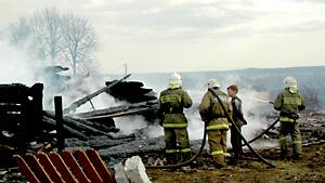 Пожар в деревне в Тверской области: сгорели 10 домов